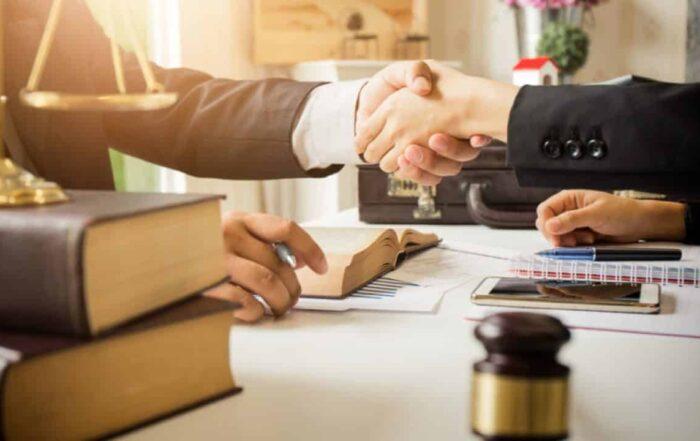 dupla de abogados fiscalistas y contadores